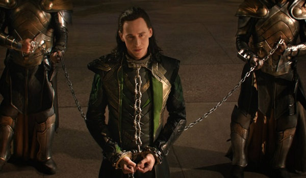 THOR-THE-DARK-WORLD-Loki-Chains